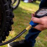 A che pressione vanno gonfiati i pneumatici da bici?