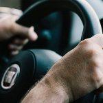 Cosa fare se l'auto tira a sinistra o a destra