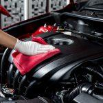 Come pulire il motore dell'auto