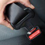 Come aggiustare una cintura di sicurezza