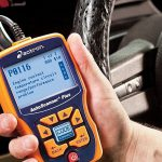 Come usare un lettore di codici diagnostici per la tua auto