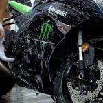 Come pulire il motore della moto