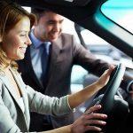 Come fare un test di guida per un'auto usata