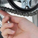 Come controllare la catena della moto