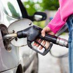 Come eliminare l'acqua dal serbatoio della benzina