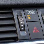Come disattivare un airbag dell'auto