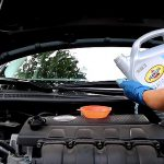 Che succede se non cambio l'olio dell'auto quando dovrei?
