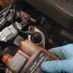 Cosa fare se l'auto ha una perdita d'olio?