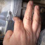 Come riparare una perdita d'olio nella tua auto